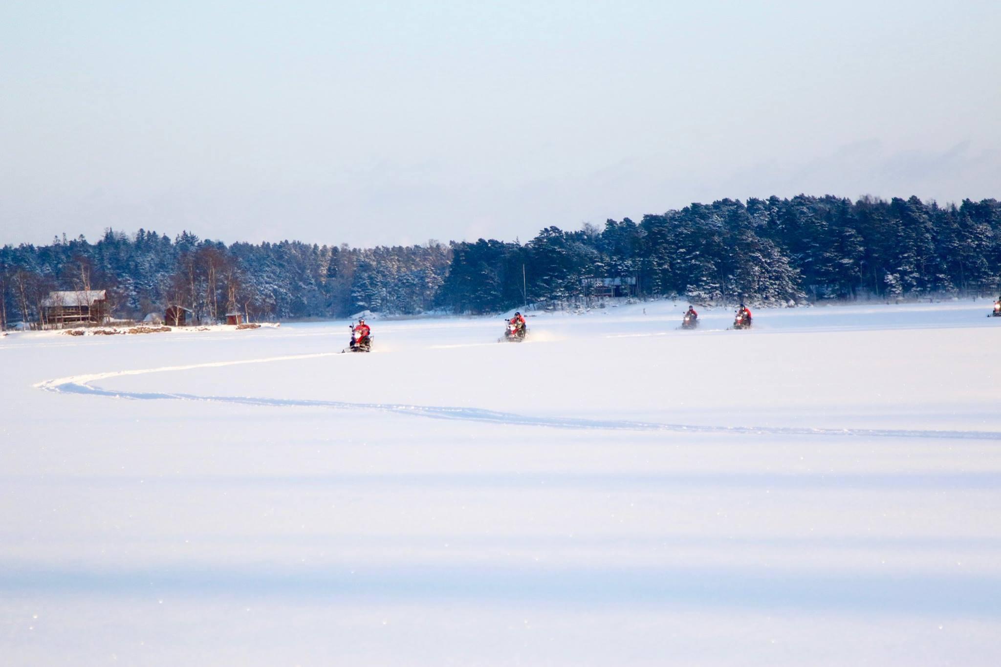 Moottorikelkkasafarit Helsinki