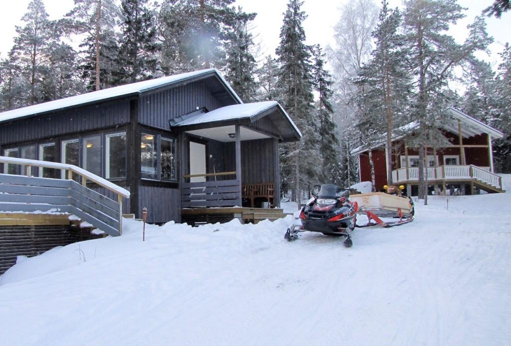 StrandSeasong cabin