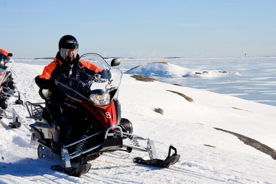 snowmobile Helsinki archipelago