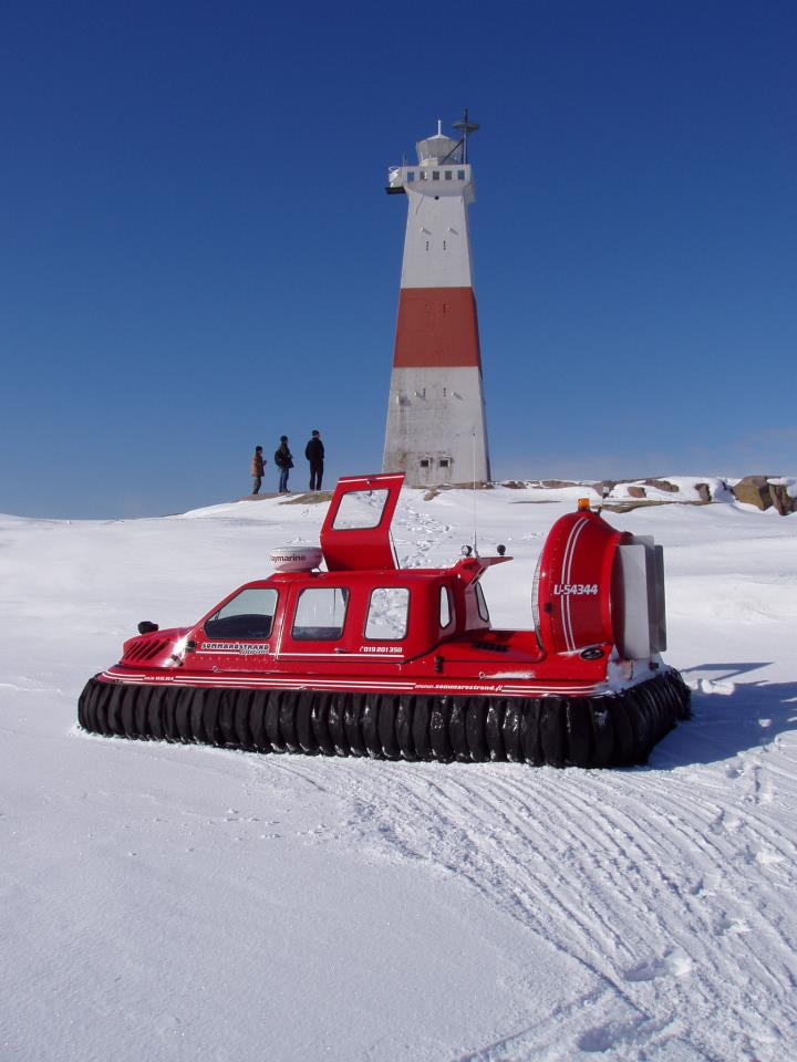 Hovercraft lighthouse safari Helsinki